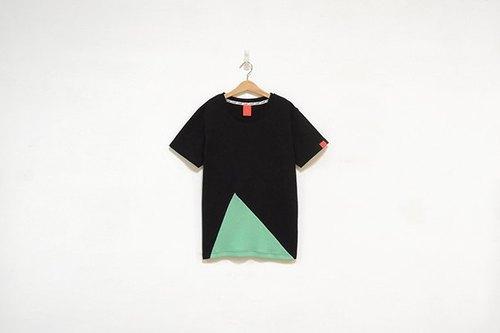 不规则三角形缤纷拼接tee