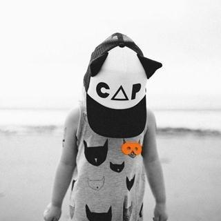 欧美小男孩抱猫头像