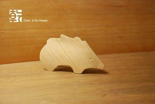 木头动物系列摆饰.小山猪 手工制作 限量商品