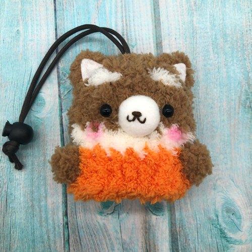 那就用个可爱的动物钥匙包来包住钥匙们吧:) 小按钮设计 可以卡住