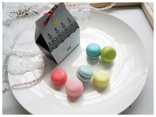 {Lady Park}浪漫法式 手工黏土 珠光 馬卡龍磁鐵 工商 甜點結婚禮小物.【三顆一盒包裝】區