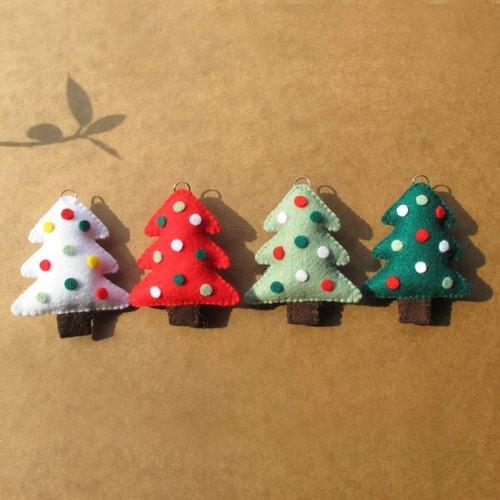 手工不织布吊饰:圣诞树(手机吊饰,钥匙圈,包包吊饰)