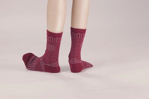 A PINCH OF OFFBEAT 酒红色 幾何襪子 短襪