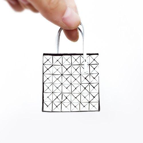 微型皮革工藝品.Issey Miyake Bao Bao 6x6 格仔袋鑰匙圈.可客製