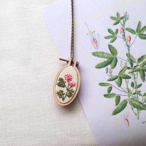 配件饰品 项链/坠子 刺绣商品