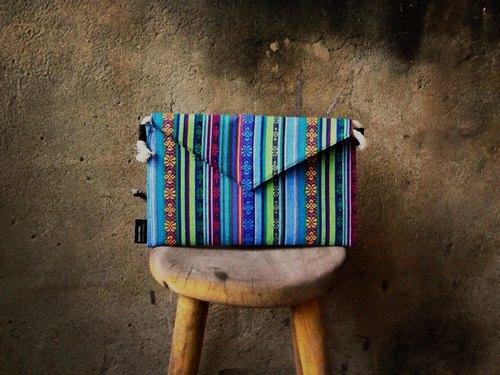 【手拿包/側揹包/信封包Dream Bag-飽和水藍刺繡民族風款】