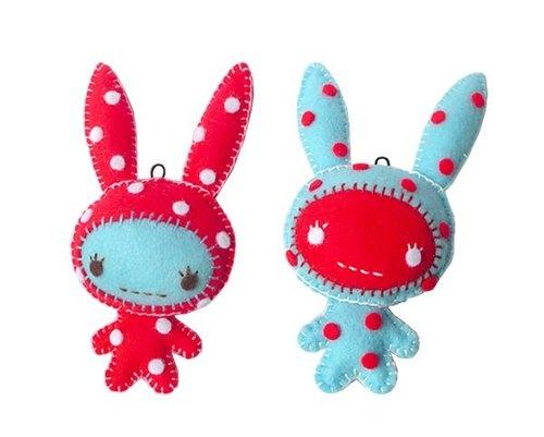 手工吊饰不织布:草莓兔