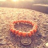 橘色木珠-古銅皇冠吊牌