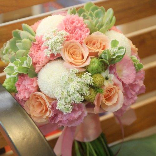 白粉橘色系新娘捧花 定制化婚礼捧花