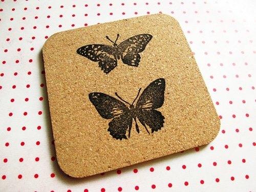 Apu橡皮章手工蝴蝶方形軟木杯墊/隔熱墊 A款