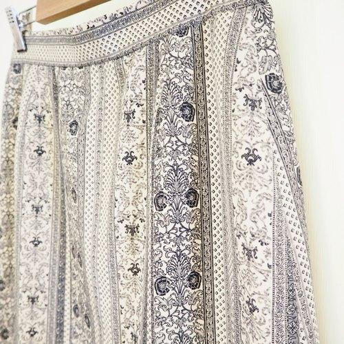 雅致的小花纹裙子
