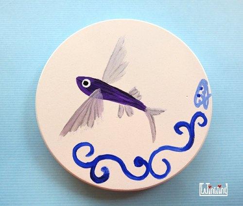 展翅飛魚 手繪 壁飾*吸水杯墊 展翅飛魚 手繪 壁飾*吸水杯墊 - Winwing / 翼想天開