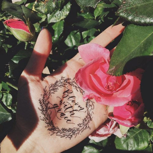 cottontatt bloom with grace 花圈 手写书法 纹身贴纸图片