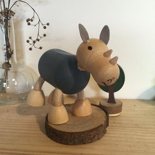 木制小动物 74 -犀牛