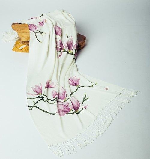 手绘木兰花丝棉围巾