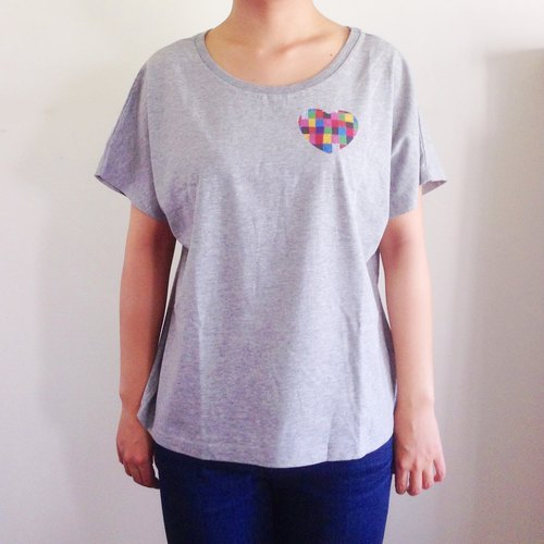 Heart is cute! Loose Dolman T-shirt