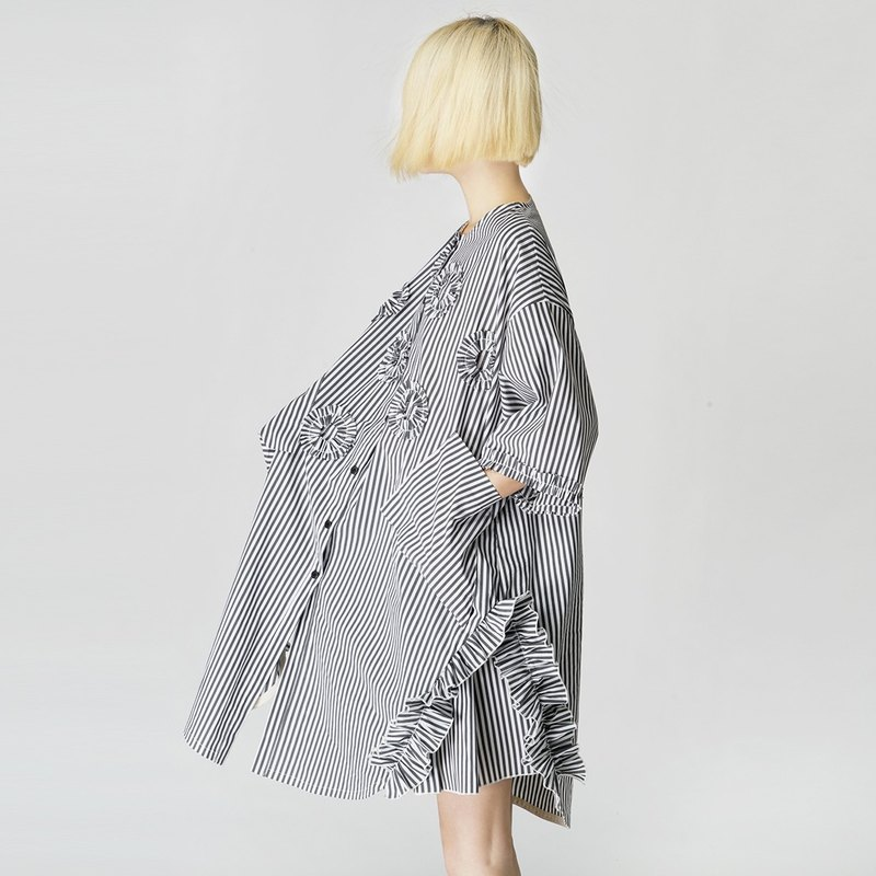 Gray striped off Huaqun (Top + skirt) - imakokoni