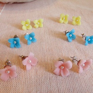 [Clay flower earrings only]