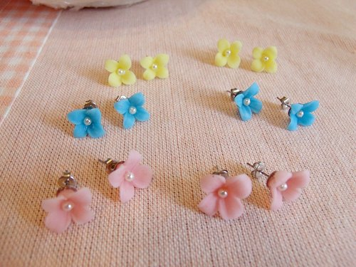 Clay Flower Earrings [unique]