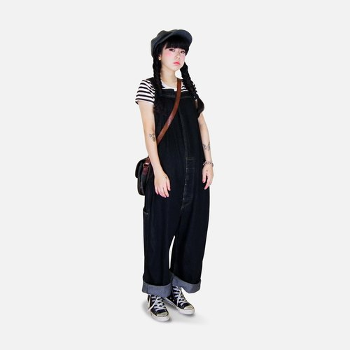 A‧PRANK: DOLLY :: Retro black jumpsuit with VINTAGE Art bag hanging low tannin denim pants Bandwidth