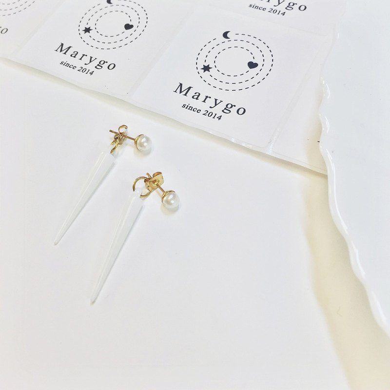 Marygo ﹝ mini white pearl x d nail ﹞ classic dual front buckle earrings