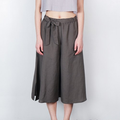 On the side of the ankle strap wide pants gray