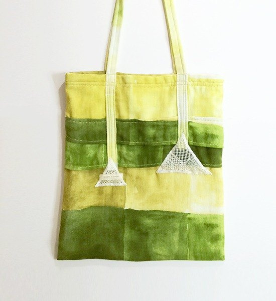 Green triangle lace watercolor bag