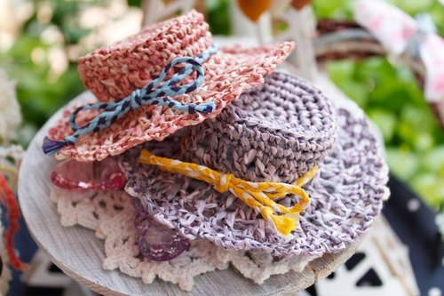 Flower knitting cap clip