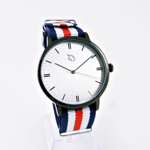 [UNI BASIC] simple silver surface large surface black case watch with three-dimensional scale between blue and red lines nylon belt
