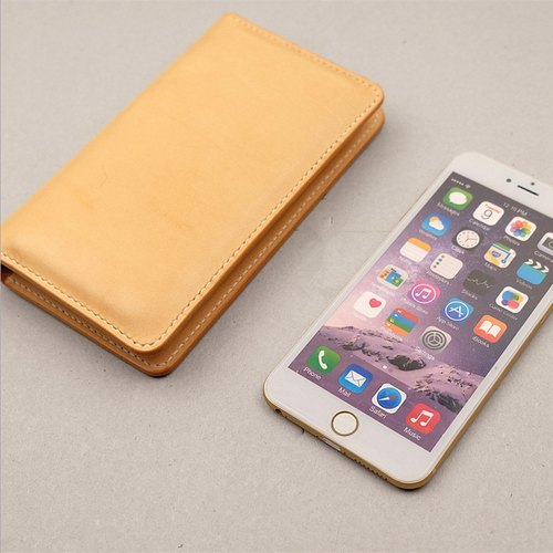 Handmade vegetable tanned leather phone package