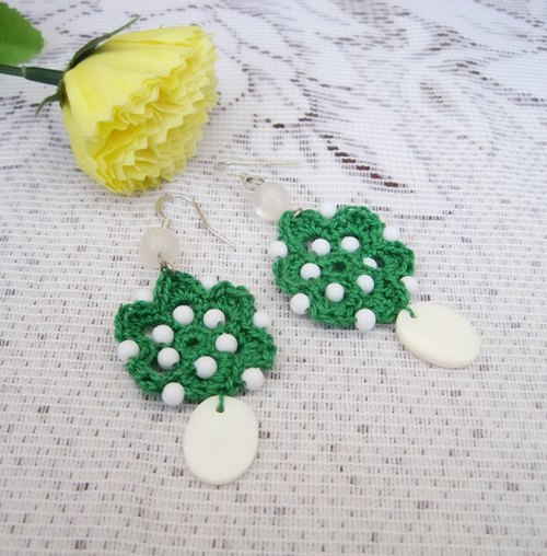 [Crochet series] Oz * crochet white artificial shell earrings limited manual