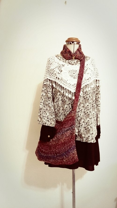 Handmade wool long strap bag _ brick red gradient segment dyeing wool