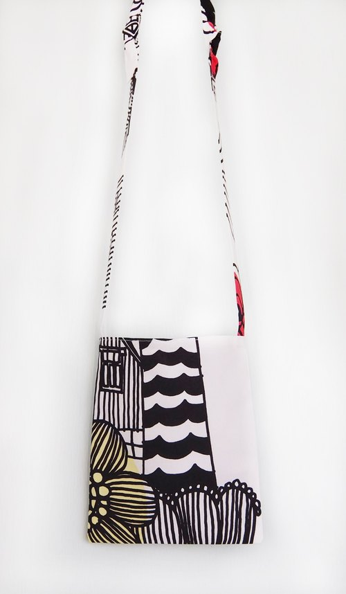 Selected Northern Europe and Finland Marimekko cotton cloth slung black and white patterned cloth