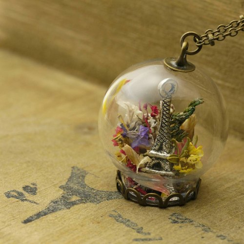 """Love home for-OMYWAY"" hand-made dried flowers retro Paris Tower glass ball necklace Dried Flower Necklace - Glass Globe Necklace"