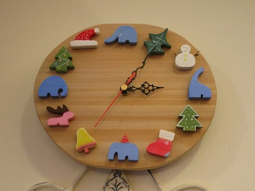 Happy Christmas elephant chronometer