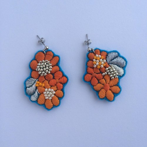 flowersピアス⑧ pierced earrings