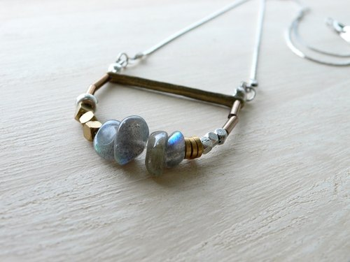 Day and the good day | moon bare | Moonstone blending natural stone necklace