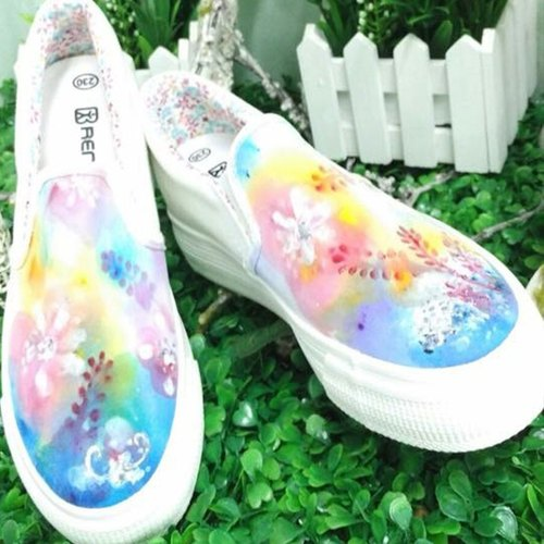 [Double Queen] clouds painted canvas shoes - custom-made (QS0003) / Hong Kong illustrator / canvas shoes / casual shoes / hand-painted craft / Gospel Gifts