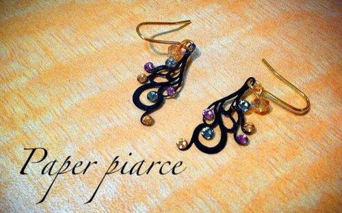 紙耳環 Paper piarced earring 連續愛心 STICK HEART BLACK