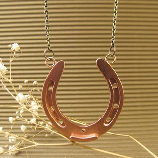 [] Horseshoes Horseshoes - Necklace
