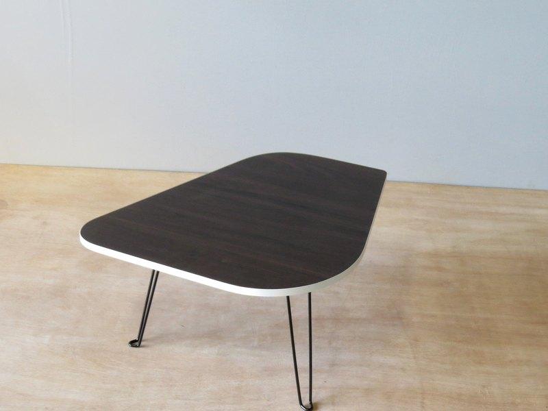 HO MOOD 動物系列—小雞 摺疊桌(白邊版)。