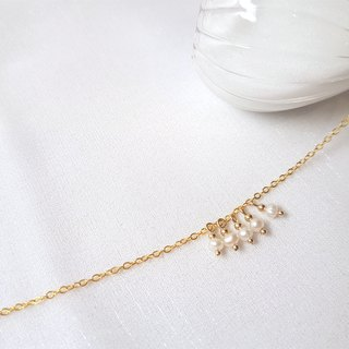 Arabesque Campanula pearl brass necklace