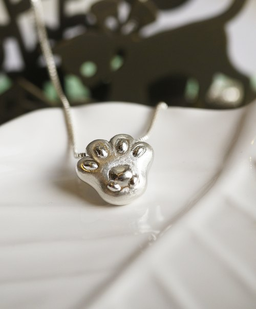 [925 sterling silver handmade necklace cat necklace cat palm meatballs] Each cat has a palm Bears