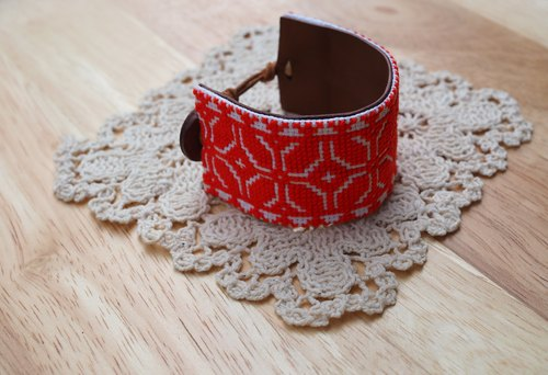 [Stitch] Nordic ethnic embroidery pattern bracelet