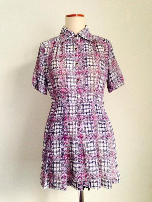 ~ Re: i fashion studio ~ thin white retro plaid chiffon pleated dress