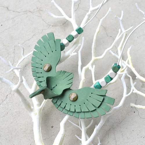 Follow Mie-U Fly I Fly - bird leather necklace - blue lake