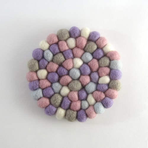 Exchanging gifts I wool ball pad I purple powder No.13 strict election wool. Safe non-toxic dyes. Whole hand-made. Wool felt