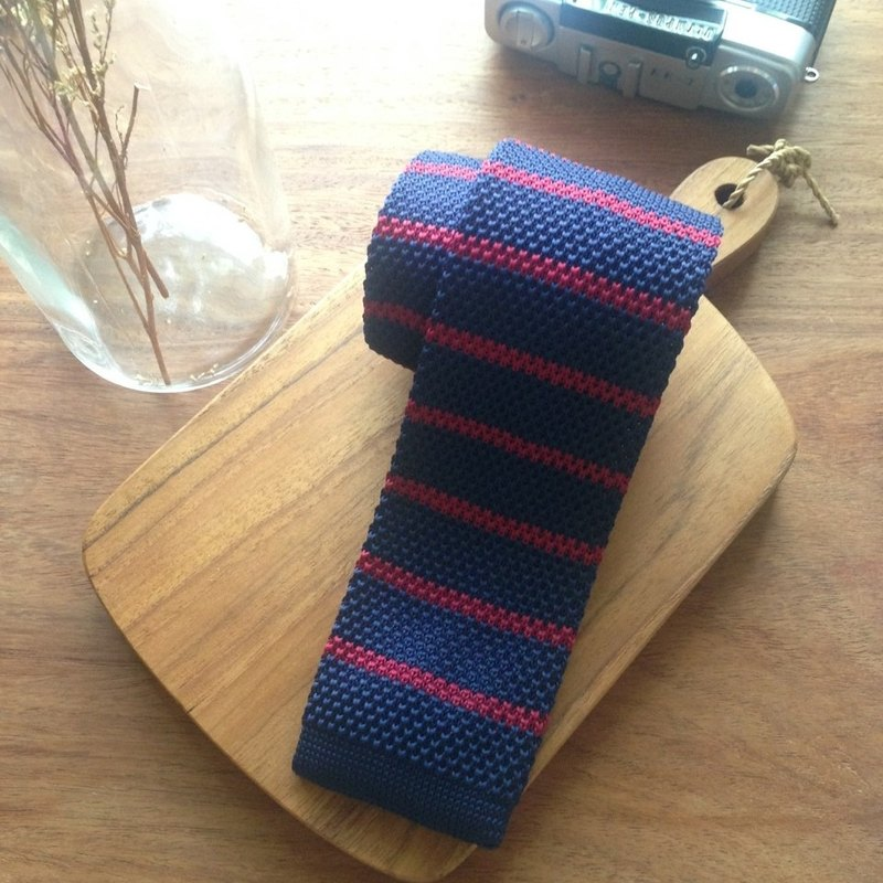 Knitted Tie Navy-Red