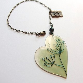 Wind flying green heart-shaped transparent Charm