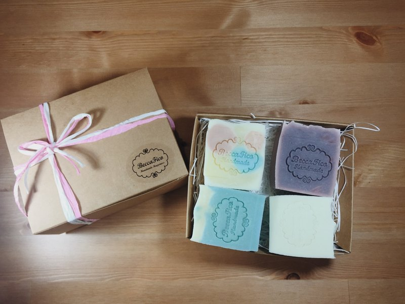 French Oil Soap Box (4 gas containing gift packaging)
